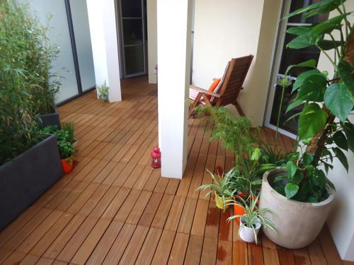 Dalles de terrasse en bois: Bangkirai clipsable 4 lattes