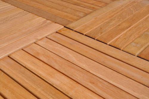 Dalles de terrasse en bois: Bangkirai massif lisse 30 x 400 x 400 mm