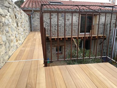 Lames de Terrasse Bangkirai - 21x120mm - Lisses 1 face, fines rainures contre face - 2m40 à 4m50